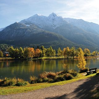 Seepromenade in Seefeld in Tirol